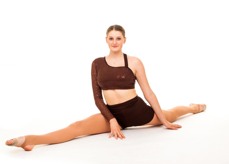 Ballet pose doing the splits